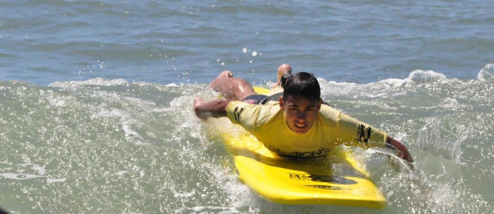 Ecole surf- Boco - Lacanau - surfeur