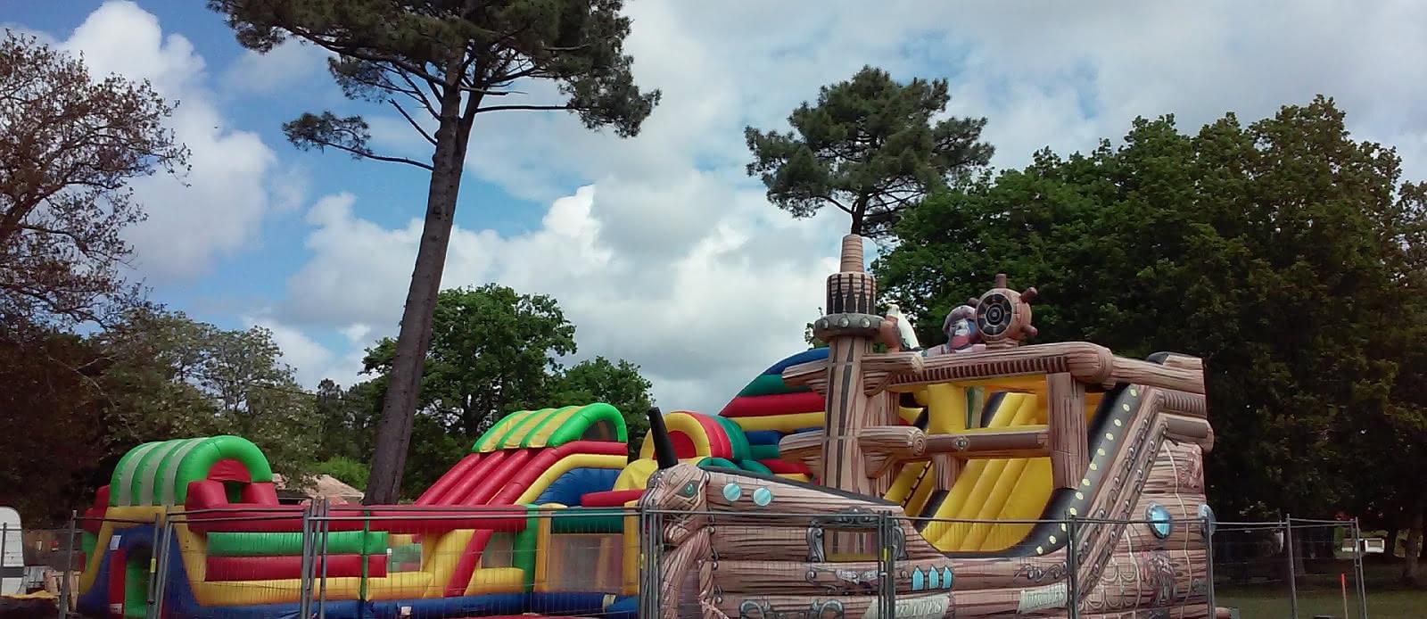 Parc-de-Loisirs-jeux-gonflables-Lacanau-Pinochapito2